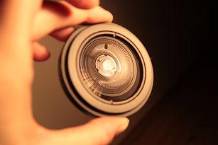 lens-716575_1920.jpg