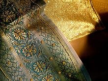 sari-woven-golden-fabric-1515851.jpg