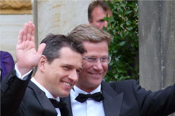 Liberale Schwule und Lesben gratulieren herzlichst Guido und Michael und wünschen Glück auf allen Le