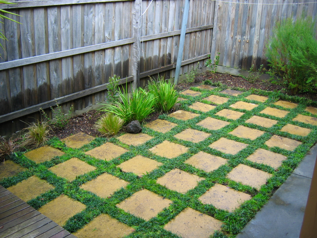Grasses and pavers landscaping