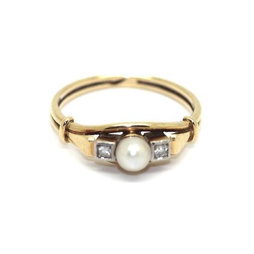 Pearl And Diamond Three Stone Ring