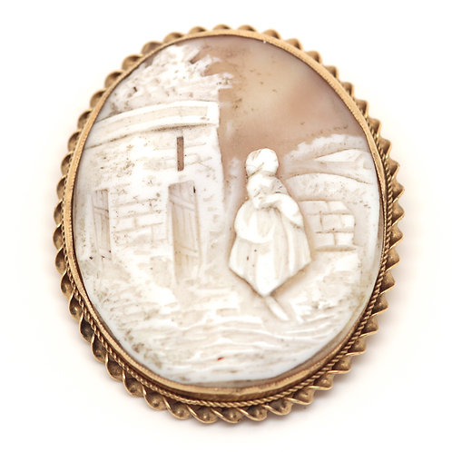9ct Gold Hard Stone Cameo Brooch