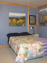 Large downstairs bedroom Skinner Creek G