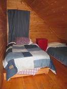 UPsatirs cabin bedroom, 2 twin beds