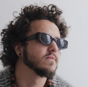 Fernando Paschoal (Cantor, Instrumentista e Produtor)