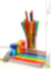 lápices-plumas-y-sacapuntas-11948078.jpg