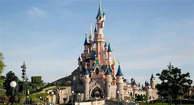 MORE THAN 2,000 PEOPLE TRAVEL TO DISNEYLAND PARIS IN 2011 WITH DISNEYLAND SPECIALISTS ROCS TRAVEL