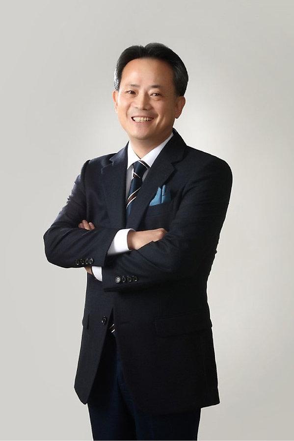 12-profile-kim-gi-hun@2x.jpg