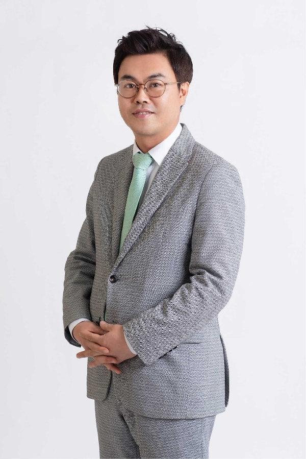 01-profile-park-ji-hoo@2x.jpg
