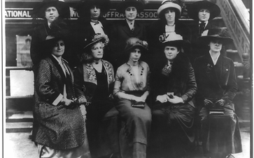 1280px-group_of_10_suffragettes-1080x675