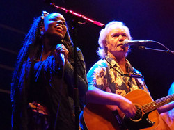 Kizzy performs with Chris Jagger