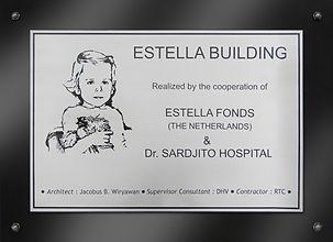 Plaquette Estella building