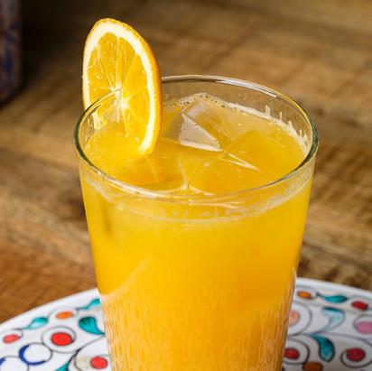 عصير البرتقال الطازج