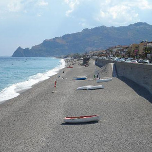 Protection and nourishment of beach at Santa Teresa di Riva (ME)