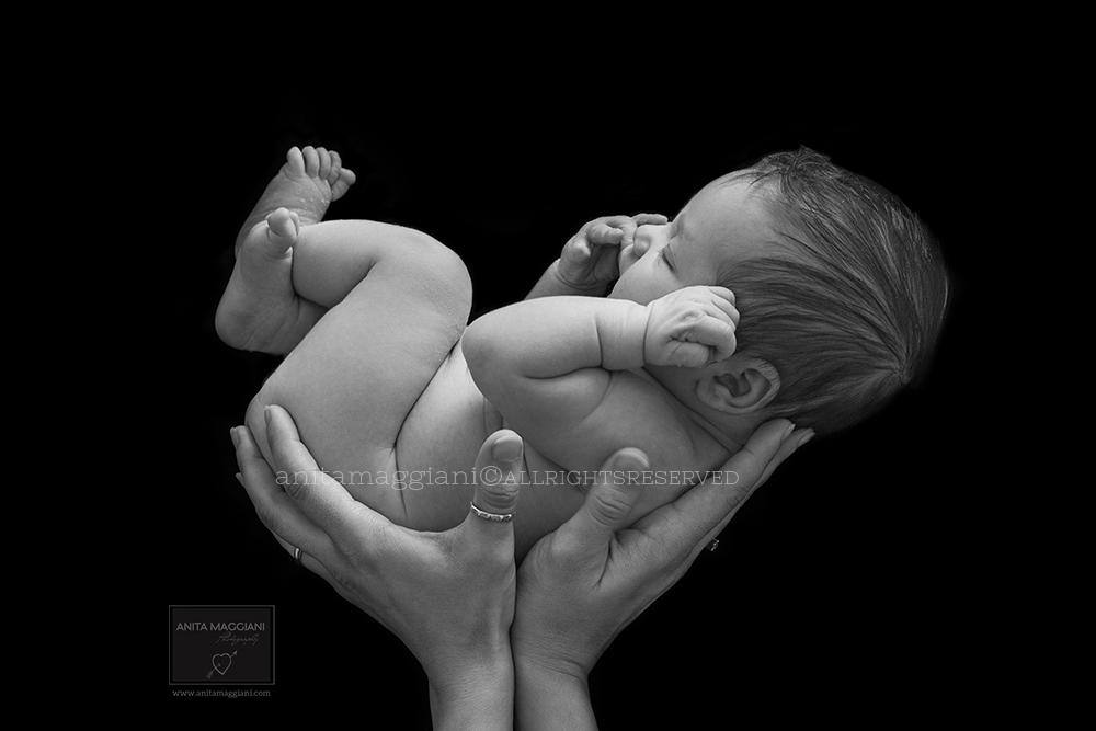Neonato in bianco e nero