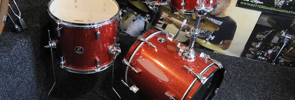 Sonor Safari in Red Sparkle SSE12