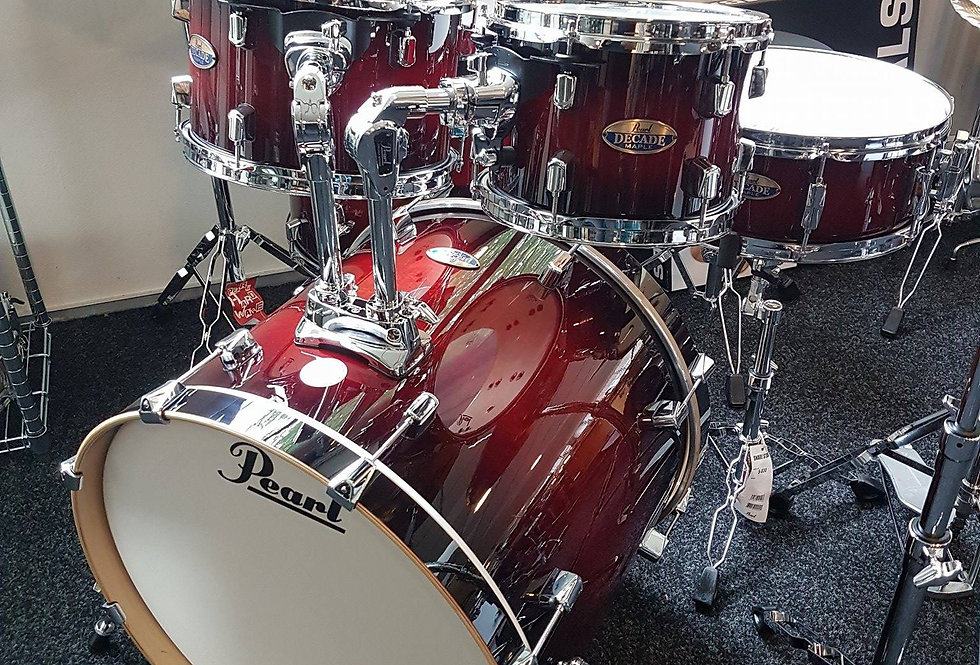 Pearl Decade in Gloss Deep Red Burst