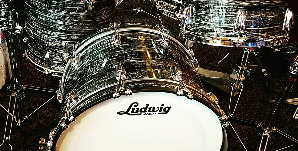 Ludwig Classic Maple in Vintage Oyster Pearl