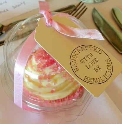 Beau cupcake pod