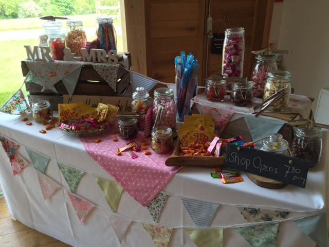 Candy table dodford