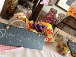 Beau Candy Table