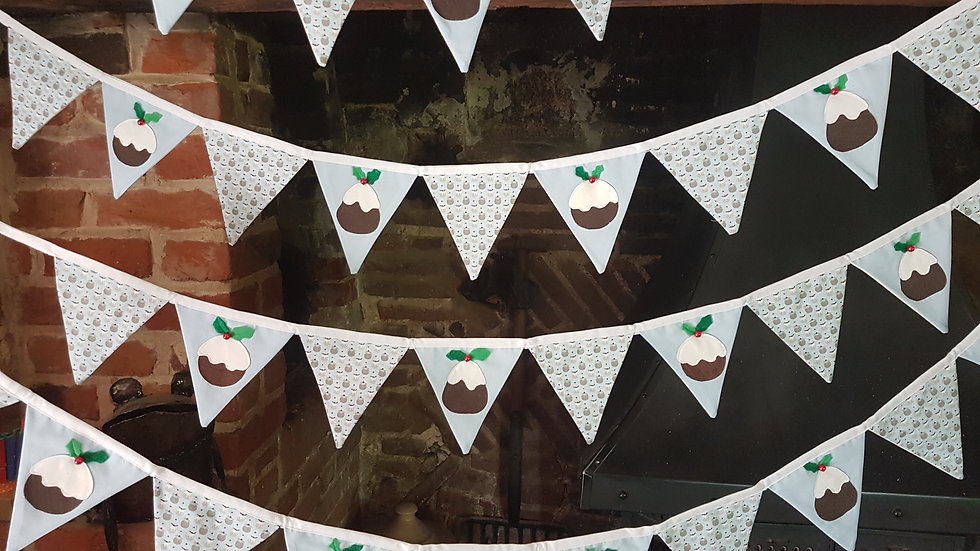 Figgy Pudding Bunting in Blue