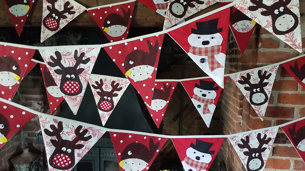 Robin Reindeer Snowman Giant Bunting -Red and Cream