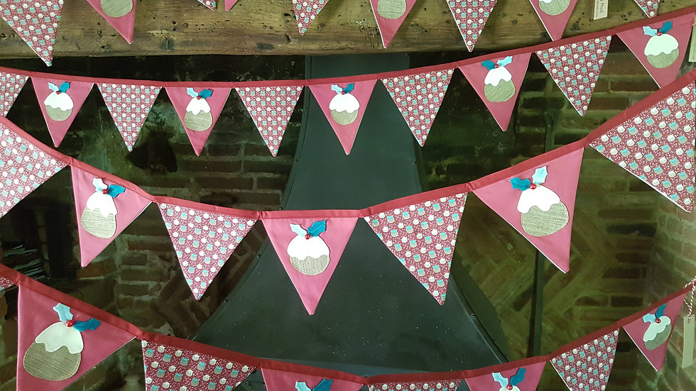 Figgy Pudding Bunting in Red