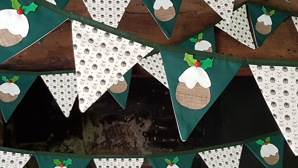 Figgy Pudding Bunting in Green