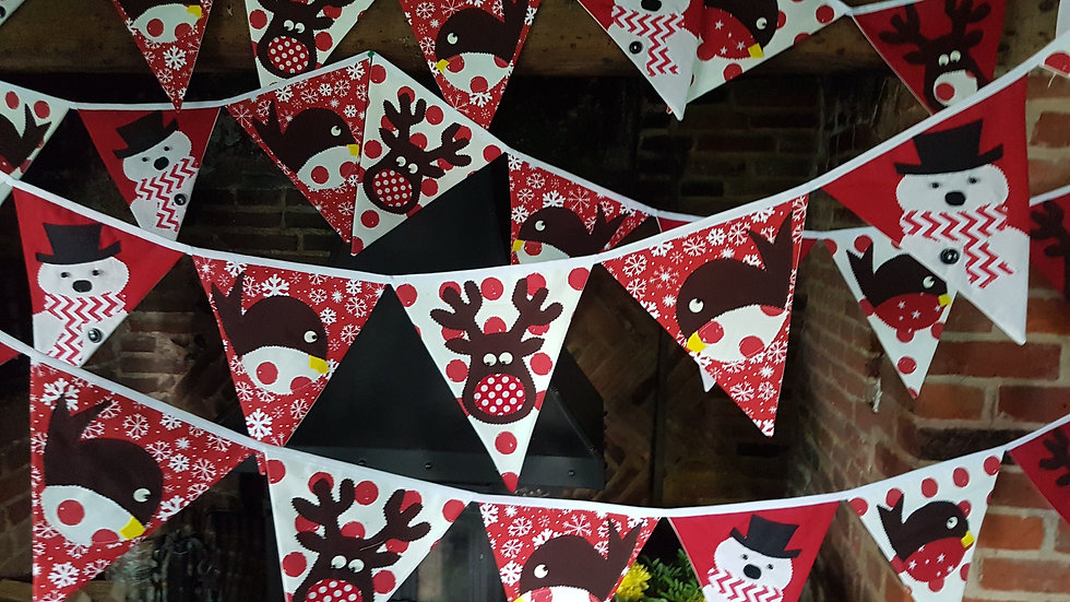 Robin Reindeer Snowman Giant Bunting - Red and White.