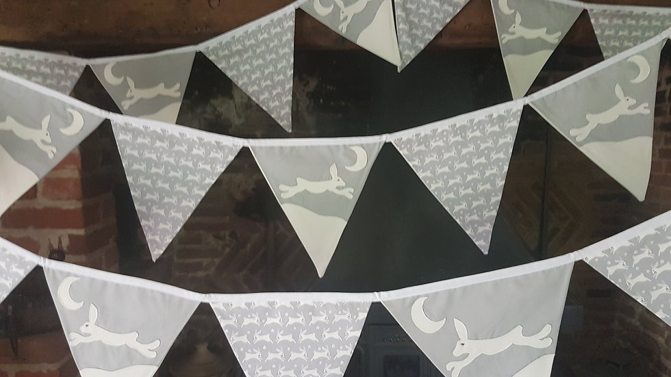 Leaping Hare Bunting - Grey