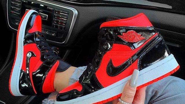 "Nike Air Jordan 1 Mid ""Hot Punch Bright Crimson Black"""