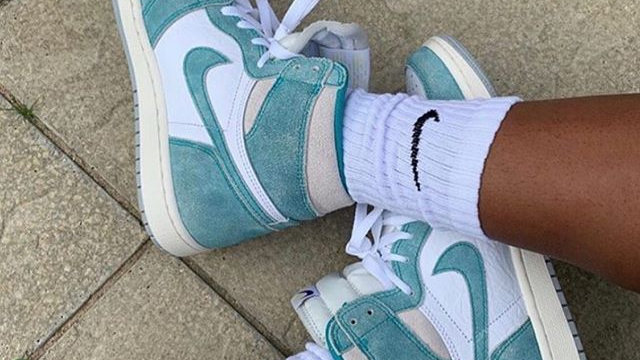 "Nike Air Jordan 1 Retro High ""Turbo Green"""