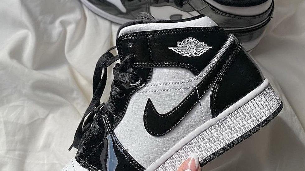 "Nike Air Jordan 1 Mid ""Carbon Fiber"""