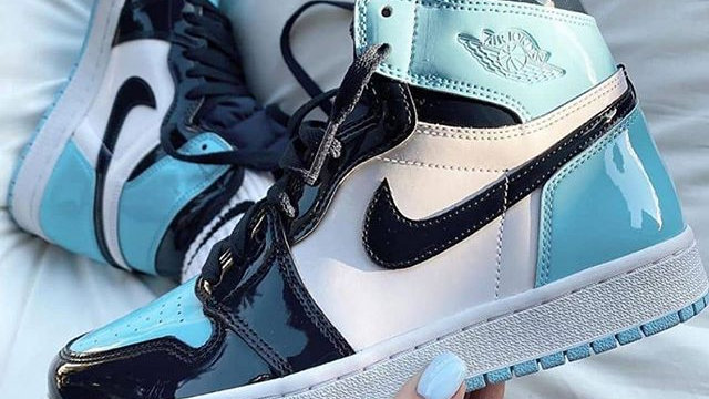 "Nike Air Jordan 1 High ""Blue Chill"""