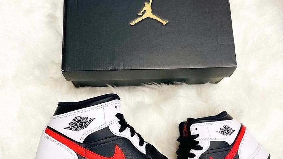 """Nike Air Jordan 1 Mid """"Chile Red"""""""