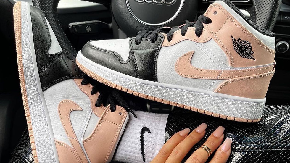 "Nike Air Jordan 1 Mid ""Crimson Tint"""