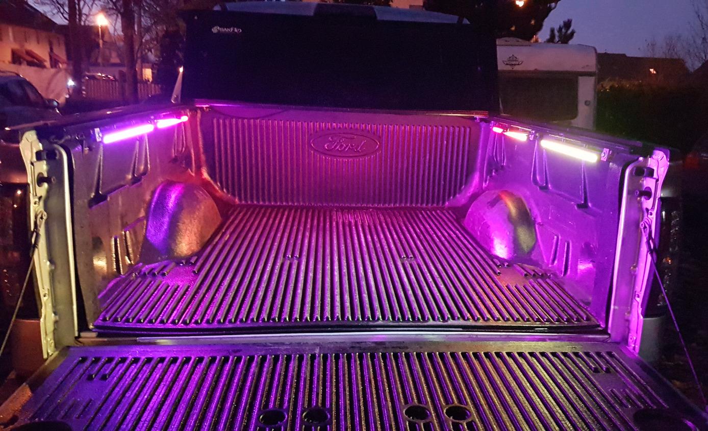 LED Ladeflächenbeleuchtung RGB