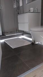 LED Fußbodenbeleuchtung Bad