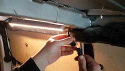 LED Profil stecken und festschrauben