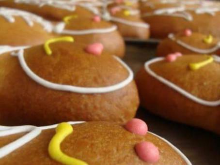 Guaguas de pan rellenas de historia y tradición