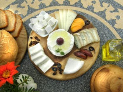 Neot Smadar cheese-platte.jpg