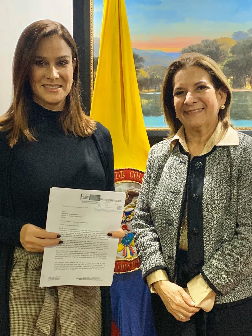 La Senadora Maritza Martínez en compañía de la Ministra de Justicia, Margarita Cabello