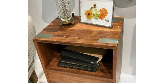 53017 Moderno Side Table