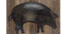 10191 Metal Pig on Barn Board Wall Art
