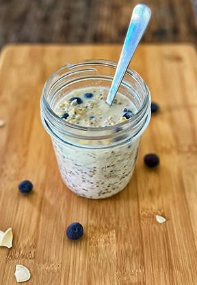 Recipe: Overnight Oats with Chia Seeds, Pumpkin Seeds and Blueberries
