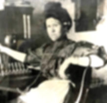 Quirina Telephone Operator