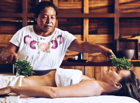 Massage profond du ventre (Sobada maya)