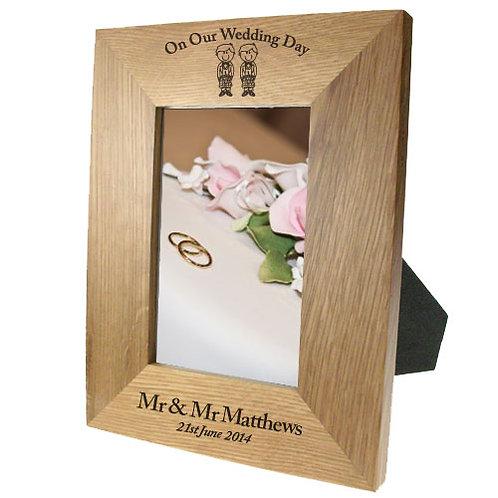 Portrait oak frame: Scottish Groom & Groom