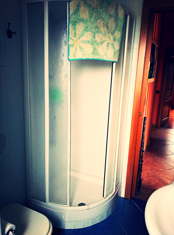 Blue showeroom